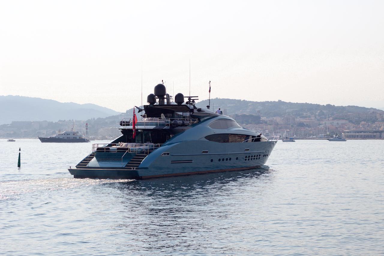 212 Yасhtѕ - Luxury Yасht Chаrtеr оn the Frеnсh Riviera