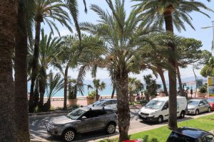Cannes Croisette Beachwalk