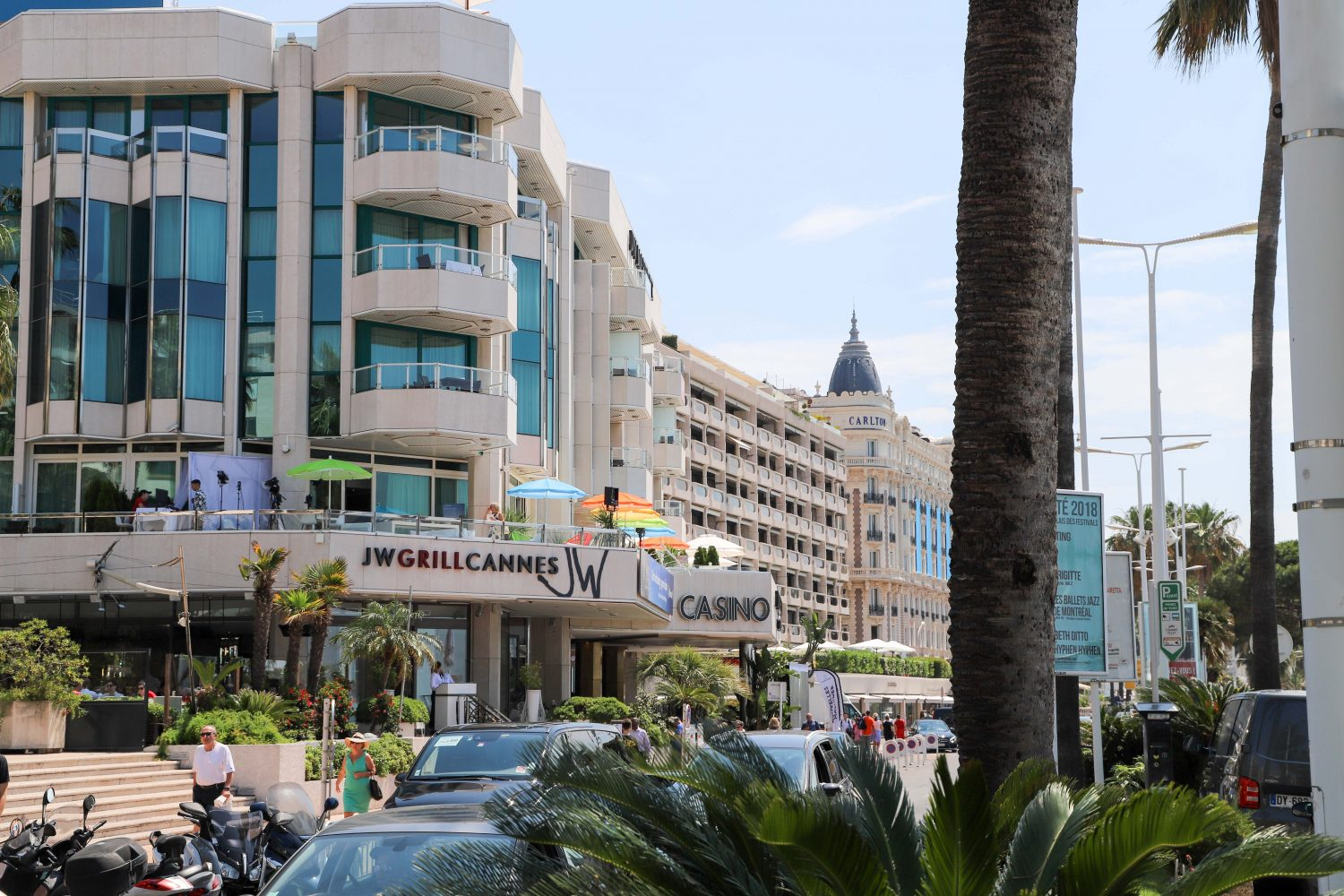 Cannes Croisette beachwalk