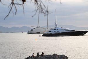World's largest sail boat A