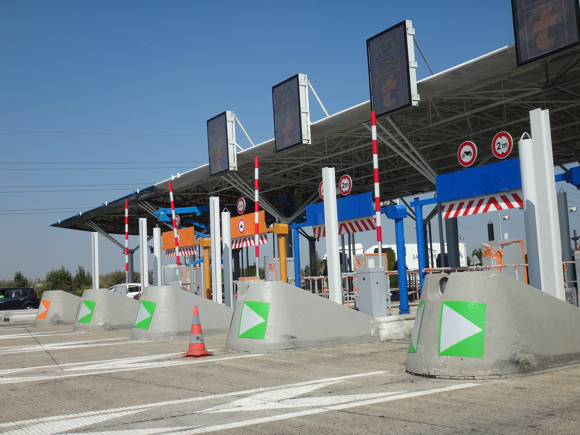 Toll driving in the French Riviera