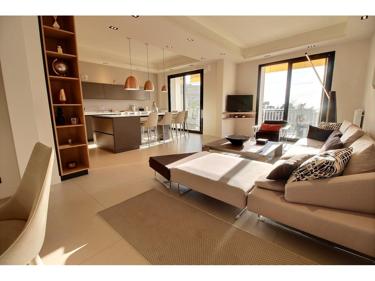 Cannes,Boulevard Croisette,4 Bedrooms Bedrooms,4 BathroomsBathrooms,Apartment,Cannes,Boulevard Croisette,3,1020