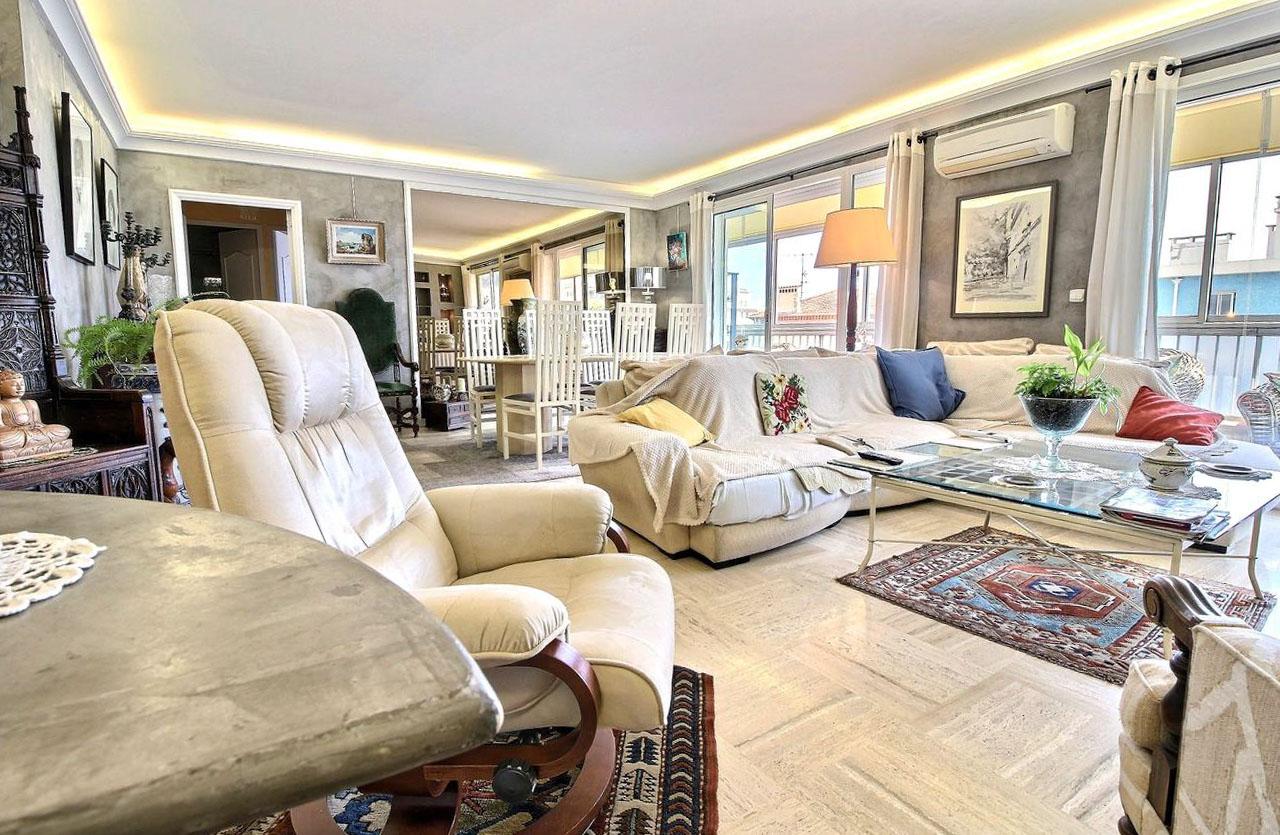 2 Bedrooms Bedrooms,1 BathroomBathrooms,Apartment,2,1063