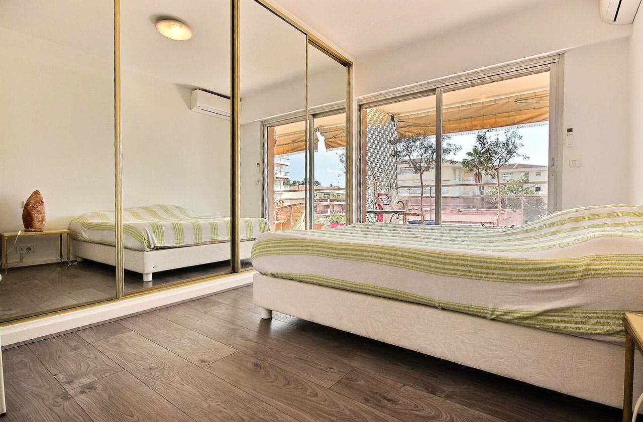 1 Bedroom Bedrooms,1 BathroomBathrooms,Apartment,4,1066