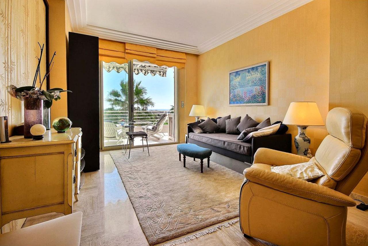 2 Bedrooms Bedrooms,2 BathroomsBathrooms,Apartment,2,1070